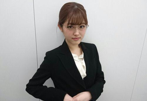 秘書風な松村沙友理
