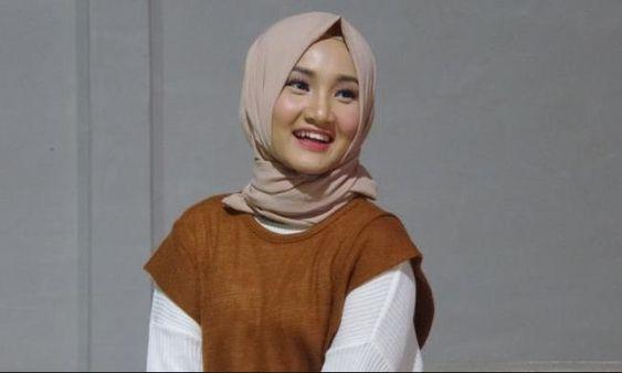 Profil dan Biodata Fatin Shidqia Lubis Lengkap Foto Agama ...