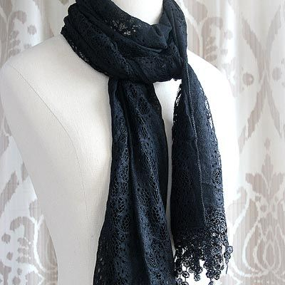 Victorian Lace Scarf in Black