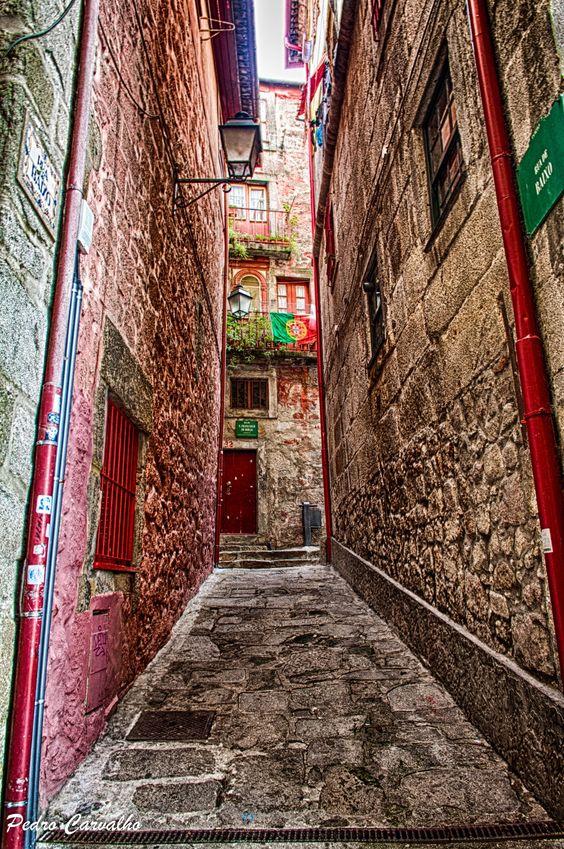 Rua de Baixo www.webook.pt #webookporto #porto #ruasdoporto