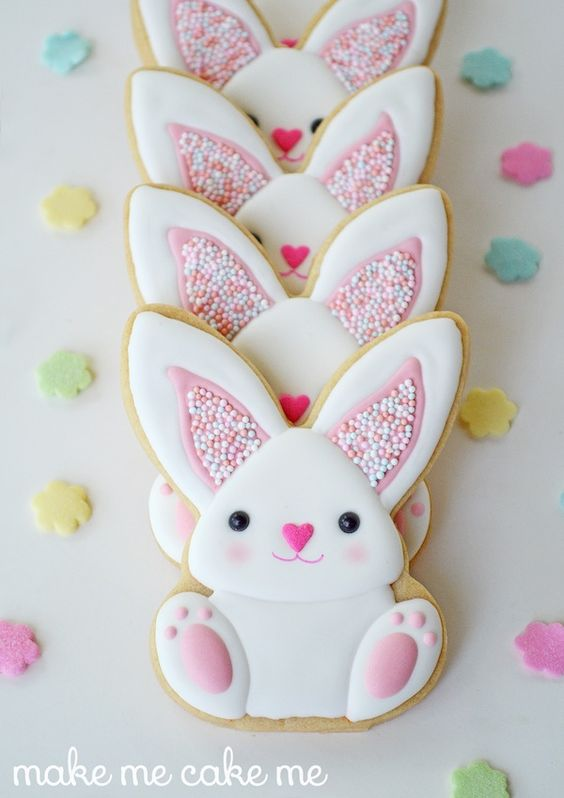 These bunny cookies are absolutely adorable. Use your favorite sugar cookie recipe and follow along with this tutorial to make these sweet little Easter treats.:
