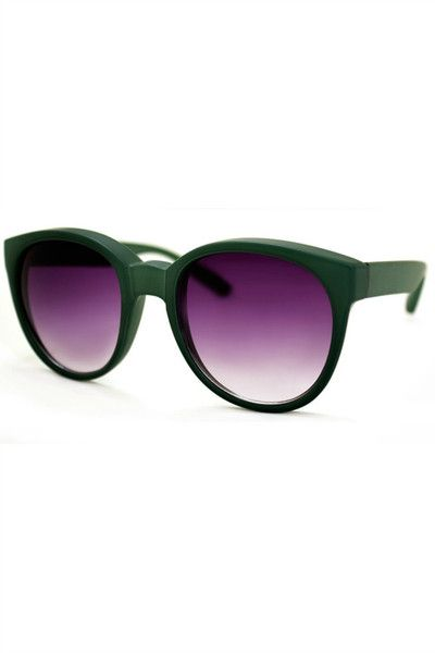Add a little color to your everyday look with these statement sunnies. UV 400.