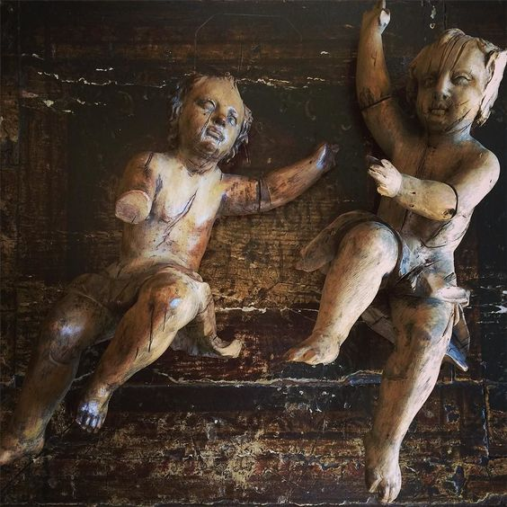 Lime wood carved Italian Putti c.1680 @chrisholmesantiques #coldbathroad #harrogate #chrisholmes #antiques #putti #italian #italianantiques by chloeholt