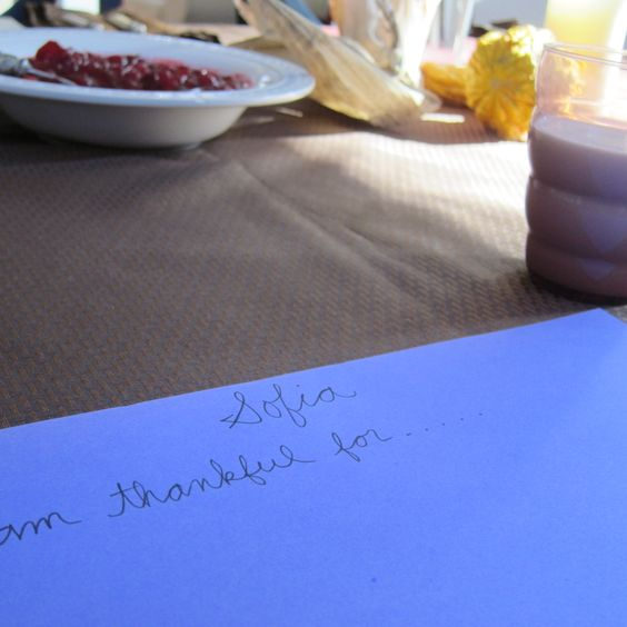 Thanksgiving gratitude tradition via @Amy Suardi (Frugal Mama) /One Easy Way to Bring Meaning and Warmth to Thanksgiving — Frugal Mama