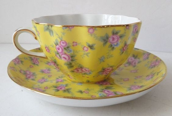 Royal Cotswolds Yellow Pink China Chintz Scalloped Tea Cup Saucer Floral Print