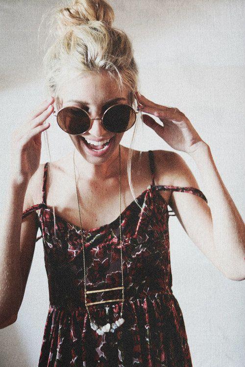 sunglasses & necklace