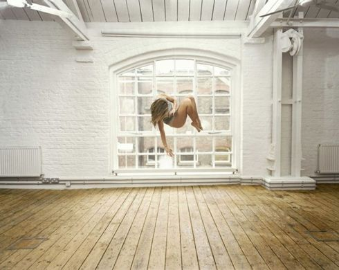 Self-Portrait Suspended, Sam Taylor-Wood, photographie, 2004