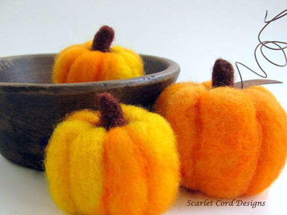 Felted Pumpkins Fall Harvest Needle Felted by ScarletCordDesigns, $25.00