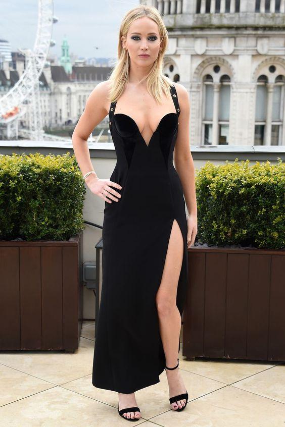 Jennifer Lawrence Versace Dress Feminist Reaction Response - Jennifer Lawrence Interview Response Versace Dress Controversy