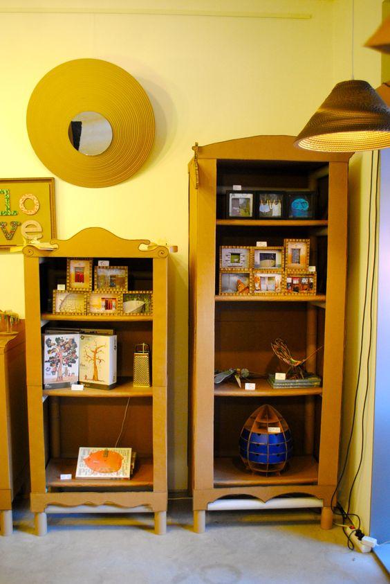 Muebles expositores para tienda realizados con mandriles y for Carton para muebles