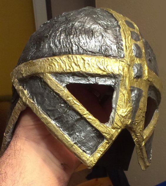 Tutorial de fabricación de casco medieval para niño