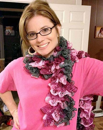 DIY Knit a Quick Ruffle Scarf with Tutorial Help –