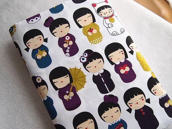 Tissus japonais en coton kokeshi et Maneki-neko 110*50 cm kawaii : Tissus à thème par yoshiiii: