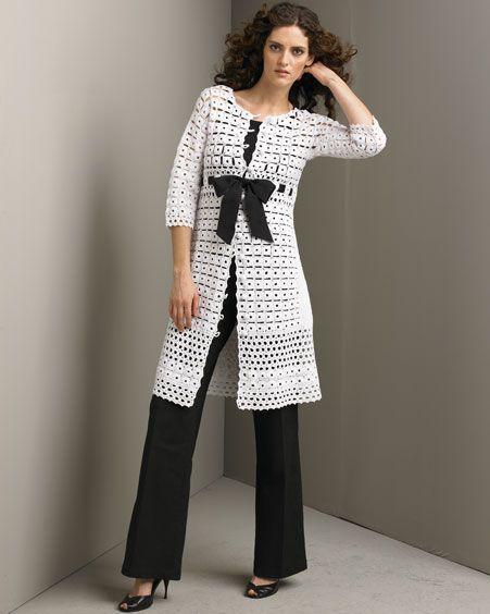 Patrones crochet abrigo de cuadraditos con lazo patron - Cuadraditos de crochet ...