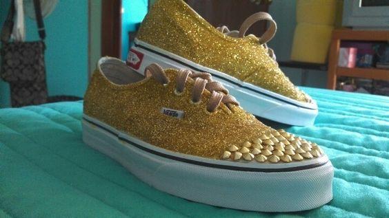 Vans dorados