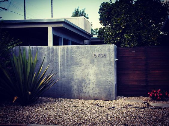 Sherman Oaks Garden and Architecture #garden #gardenersnotebook #plants #nature #architecture #building #city #urban