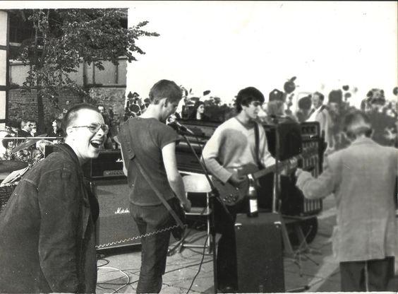 Vatikan 1980 - Live Martin Stammeier, Frank Jacobs,Bernd Begemann  Besuch von Balou (Rolf Birkfeld / VSW)  Aufgenommen in Bad Salzuflen  Foto © Frank Jacobs