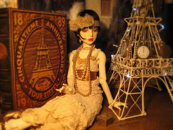 Gorgeous BJD Flapper oooh I love this picture!!!!