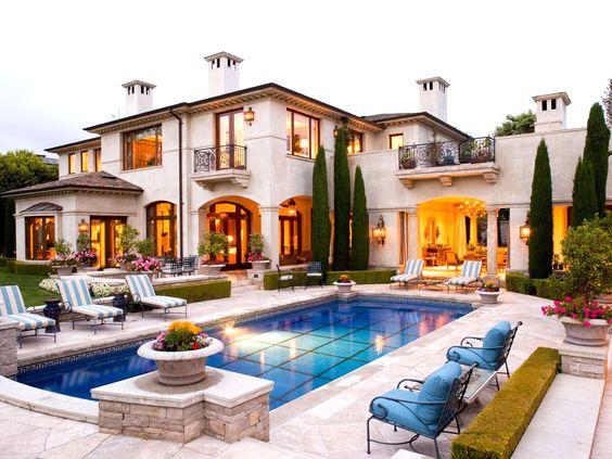 Elegant mediterranean home and swimming pool www for Mediterranean home plans with pool