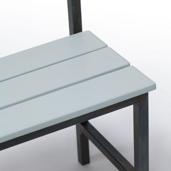 banc porte manteaux petit hall vert amande inspir du mobilier scolaire des ann es 50 http. Black Bedroom Furniture Sets. Home Design Ideas