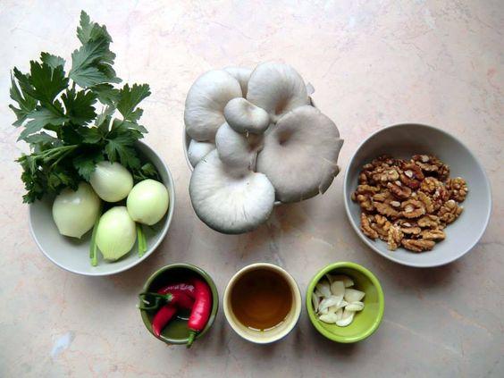 Austernpilz-pesto: Unser Rezept! Gesund, einfach, sehr-sehr lecker. http://blog.chidos.org/category/rezepte/
