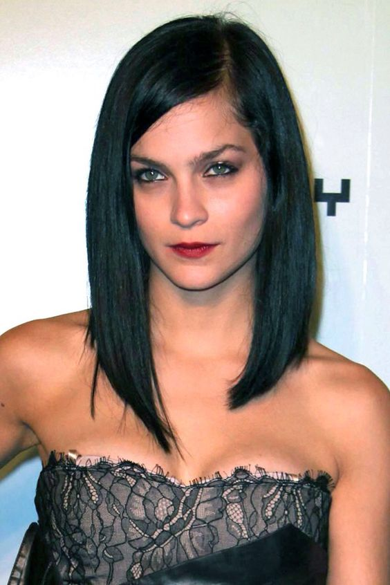 Long Bob: Long Angled Bob, Hair Styles, Leigh Lezark, Longbob, Hair Cut, Long Bobs, Long Bob Haircut
