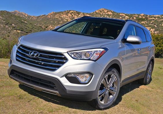 Santa Fe is one of the most popular crossovers in United States and definitely the most popular vehicle from this class in Hyundai line up. It is in production since 2000 and it is based on Hyundai Sonata. There were few changes but the 2016 Hyundai Santa Fe will mostly be a carryover.