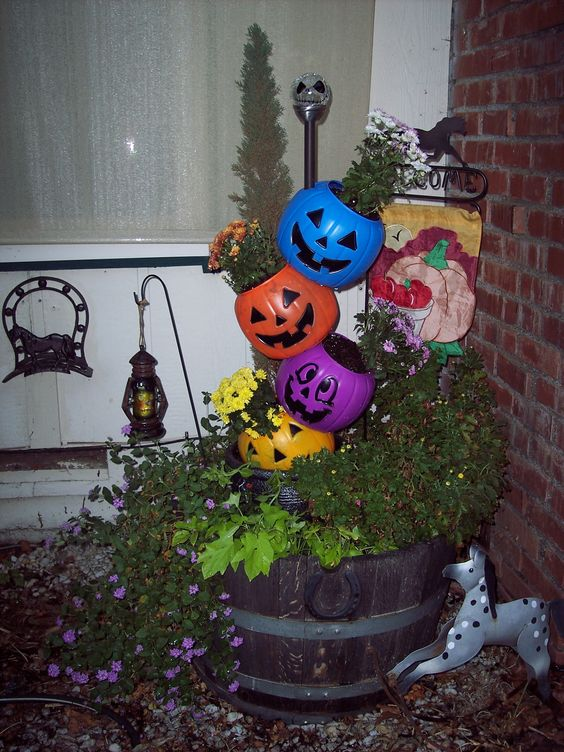 Trick Or Treat Pumpkin Tower Enchanted Designs By Cindy Pinterest Treats Pumpkins And Towers
