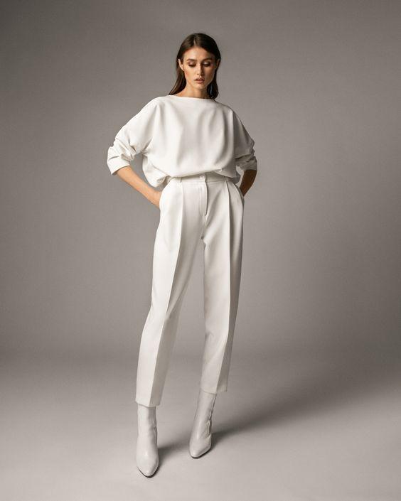 Купить свитшот на резинке и брюки-бананы, белый — магазин женской одежды Namelazz