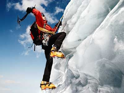 How Ice Climbing Works - from howstuffworks.com - Pretty good description of the growing sport of #iceclimbing.