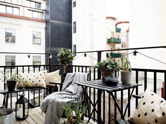 Ljus och rofylld 1800-talstrea med solig balkong - Stadshem: