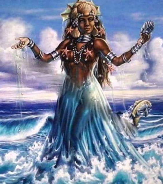 """""""Ela mora no mar ela brinca na areia no balanço das ondas a paz ela semeia..."""" #diadeiemanjá Salve Iemanjá #rainhadomar #proteção #iemanjá #sailinglife #sailingboat #sailboat #todososmares  by alinezanardo"""