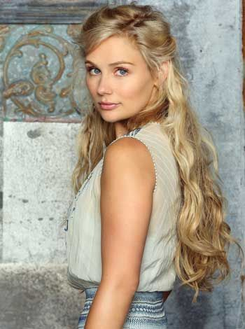"clare bowen and her gorgeous hair. i love ""nashville"""