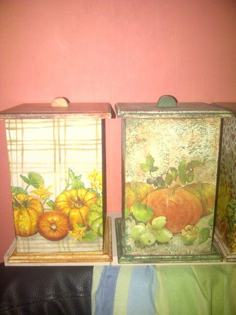 Cajas para la vocina en mdf, pintadas con acrílicos