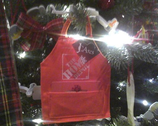 Home Depot Gift Cards - perfect for the construction themed tree!