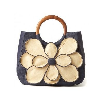 Love this navy tote!  Planning on it being one of my summer staples.  Now just need a great outfit/outfits to go with it!  Mar Y Sol Guadeloupe Flower Tote #HarabuHouse