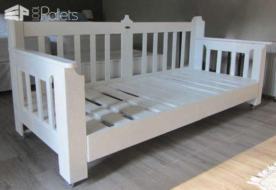 Pallets Day Bed DIY Pallet Bedroom - Pallet Bed Frames & Pallet Headboards