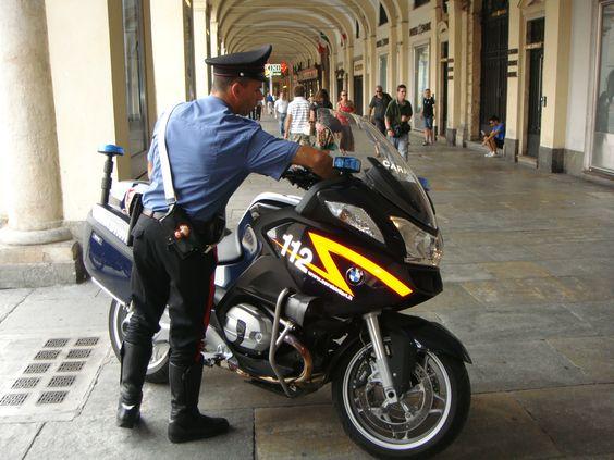 トリノの警察官