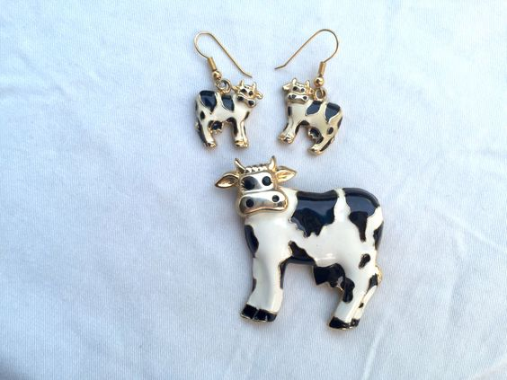 Enamel Cow Brooch and Earrings, Black and White Cow Pin, Cow Jewelry, Gold Tone Cow, Farm Animal Brooch, Cattle Costume Jewelry, Holstein