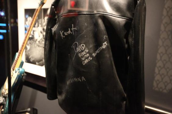 Whether it's on the back of Kurt Cobain, draped over all four Ramones or in a showcase at Hard Rock Casino Las Vegas, LIKE if you agree the black leather jacket is the quintessential rock 'n' roll accessory.