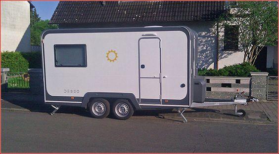 Knaus Deseo: Camping Anhänger zum Quad Transport Knaus bietet mit dem Deseo einen Camping Anhänger zum Quad Transport, der auch als Wohnwagen eine gute Figur macht; Eva Schmitz hat sich den Trailer zugelegt http://www.atv-quad-magazin.com/aktuell/knaus-deseo-camping-anhaenger-zum-quad-transport/