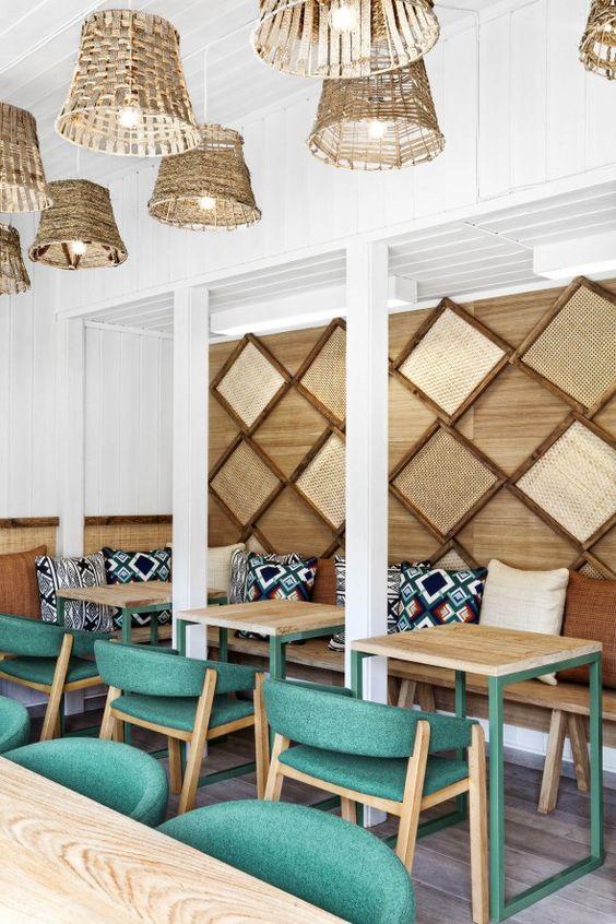 Le studio espagnol de design d'intérieur et de communication Masquespacio, signe la conception de la marque et du design intérieur pour un restaurant écologique à Oslo, en Norvège.