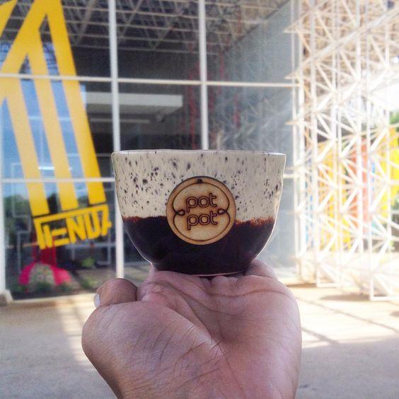 """Pot Pot en Instagram: """"Holi, acabo de dejar esto ya tu sabes donde! ☺️ @tiendamaczul #store #museum #yellow #wood #brown #tienda #rinconcitopotpot #clay #ceramics"""""""
