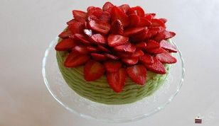 Erdbeer Pistazien Torte