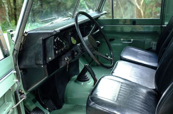This beautiful Land Rover Stage One V8 is the kind of ride that will turn heads and just get better and better with age. Love the front grill and the spare tire