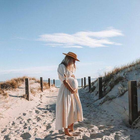 Nous aussi on filerai bien à la plage avec ce temps ! ☀  Vous n'êtes pas d'accord ? ❤  Très belle journée, n'oubliez pas de vous hydrater ! 💦  #maman #futuremaman #mama #momtobe #enceinte #grossesse #plage #summertime #beach #life #attente #naissance #été #maternité #motherhood #momlife #letempsestbon #picoftheday #lecielestbleu #canicule