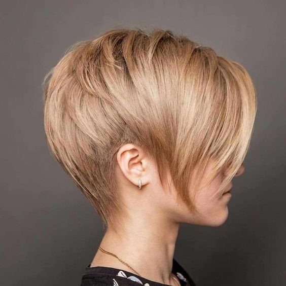 One of the most preferred hairstyles in recent years is short hairstyles. Short  #shorthairstyles #hairstyles