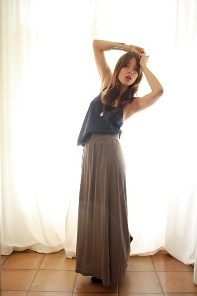Beige-monki-skirt-blue-vintage-top-black-boots-silver-ny-accessories