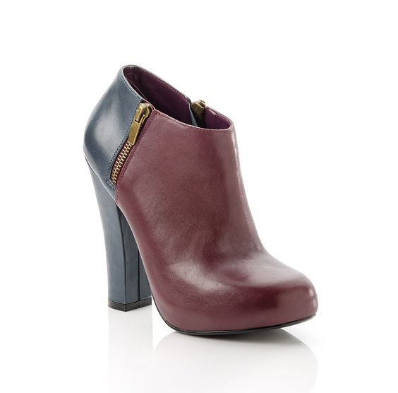 Nancy - Contrasting leather ankle boot perfect for any outfit.