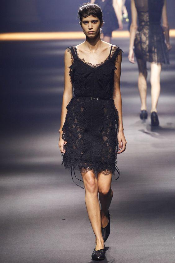 Lanvin Spring 2016 Ready-to-Wear Fashion Show - Mica Arganaraz